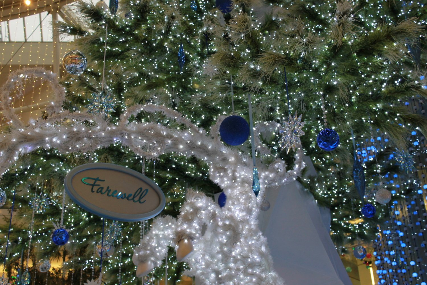 Light display metropolis at metrotown