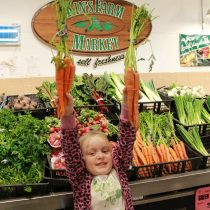 Kin's Farm Market - Freshness for the Holidays + #Giveaway!