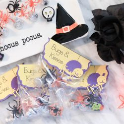 Spooky Halloween Treat Bag Toppers: Bugs & Kisses ft. Cricut Explore Air™ 2