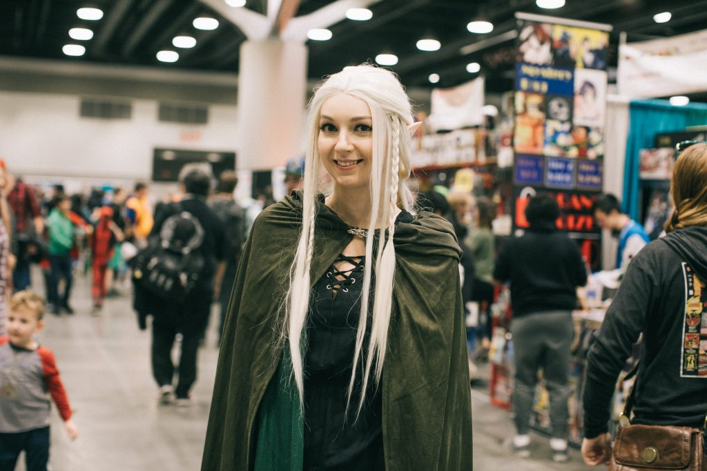 Fan Expo Vancouver elf cosplayer